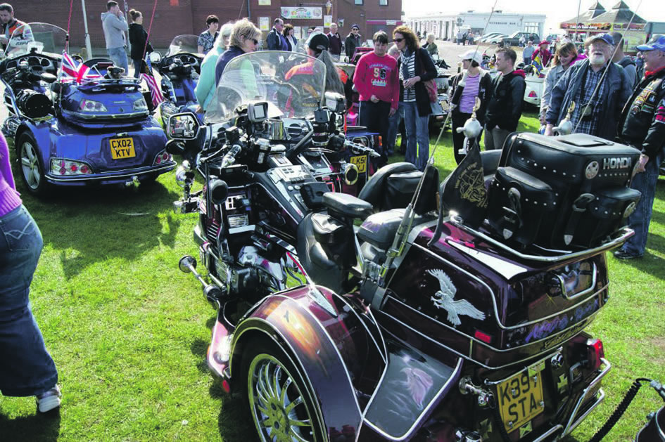 honda goldwing club 39 s charity parade in hunstanton your. Black Bedroom Furniture Sets. Home Design Ideas
